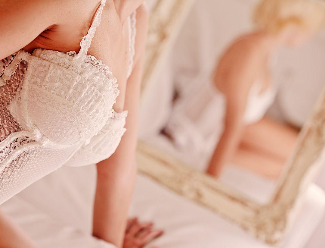Book boudoir elegante en hotel Madrid Alba 25 jpg