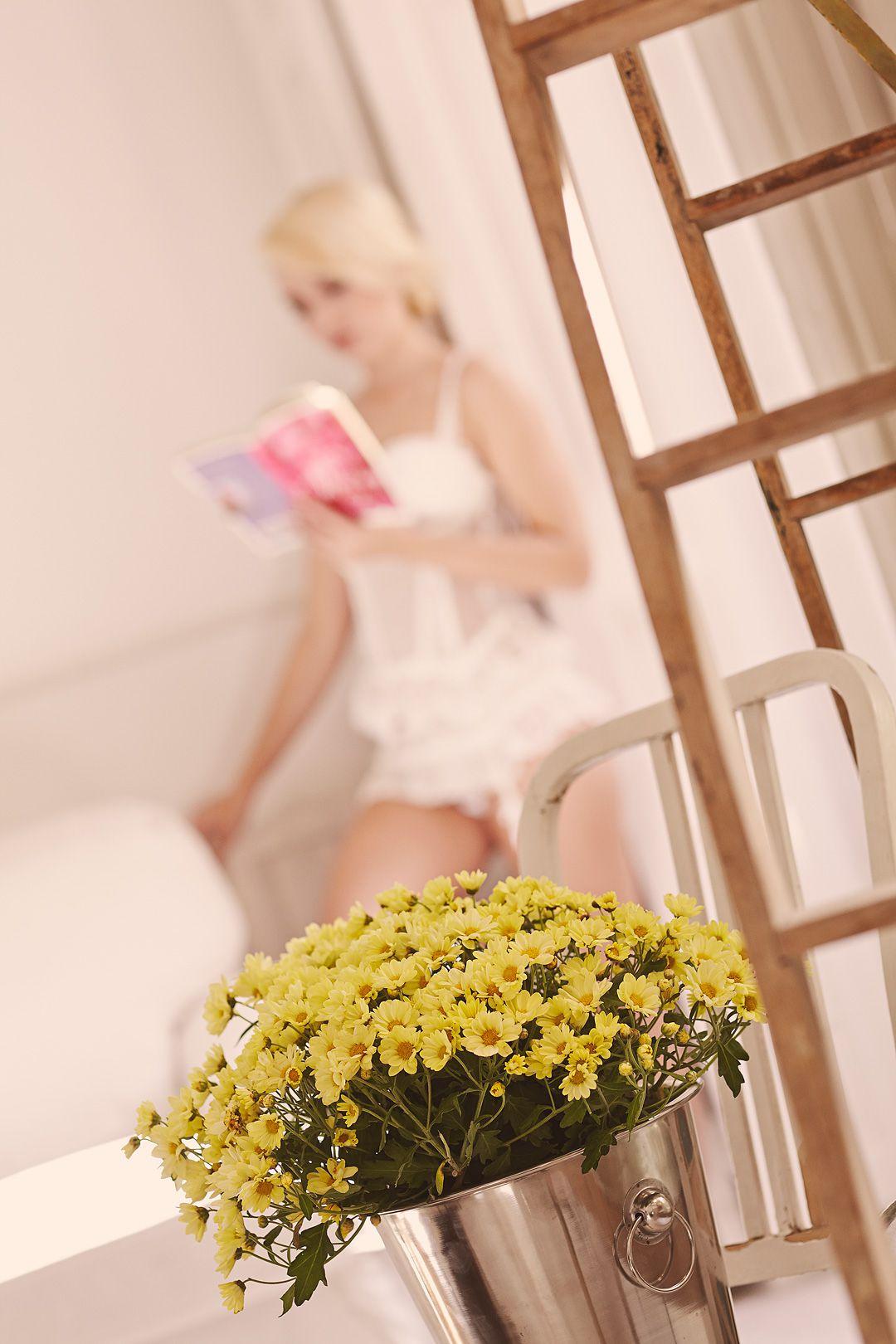 Book boudoir elegante en hotel Madrid Alba 35 jpg
