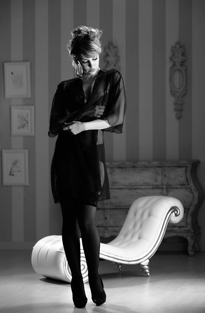 fotos boudoir budoir lenceria retrato femenino fotografia íntima sensual estudio Leganés Madrid intimisimi blonde scort Sandra 118 jpg