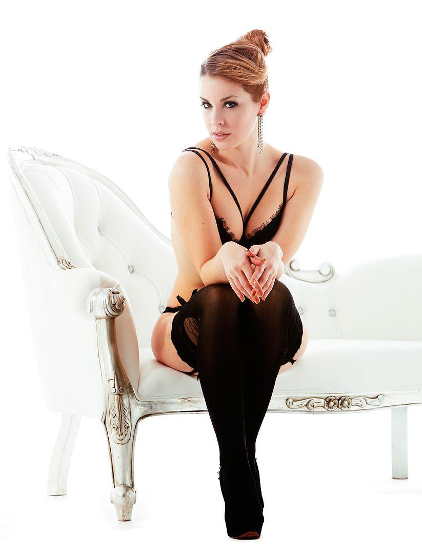 fotos boudoir budoir lenceria retrato femenino fotografia íntima sensual estudio Leganés Madrid intimisimi blonde scort Sandra 169 jpg