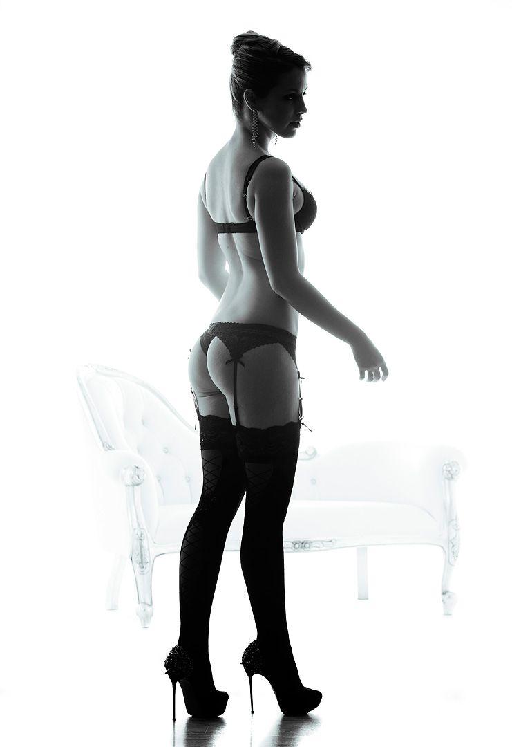 fotos boudoir budoir lenceria retrato femenino fotografia íntima sensual estudio Leganés Madrid intimisimi blonde scort Sandra 181 jpg