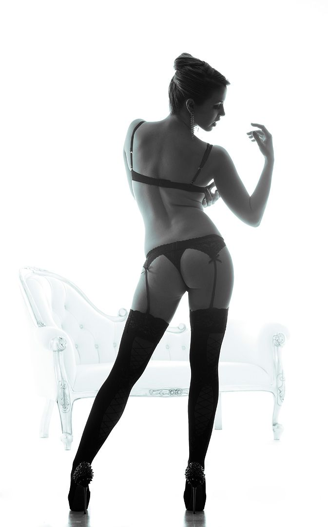 fotos boudoir budoir lenceria retrato femenino fotografia íntima sensual estudio Leganés Madrid intimisimi blonde scort Sandra 185 jpg