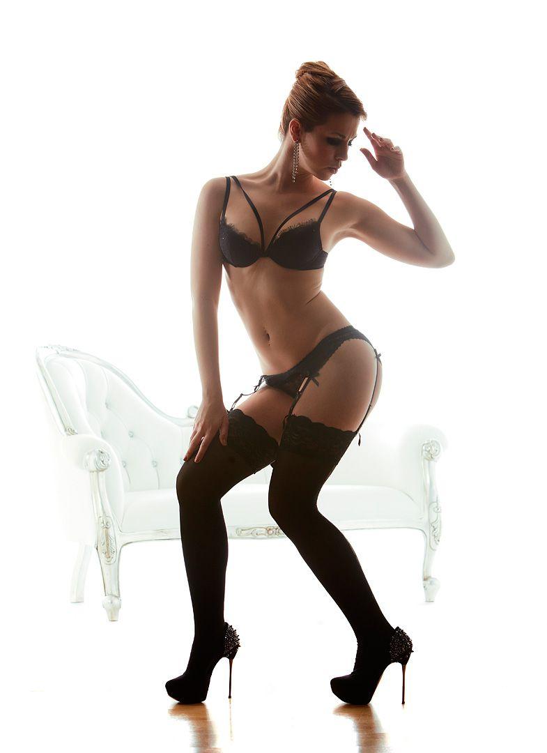 fotos boudoir budoir lenceria retrato femenino fotografia íntima sensual estudio Leganés Madrid intimisimi blonde scort Sandra 187 jpg