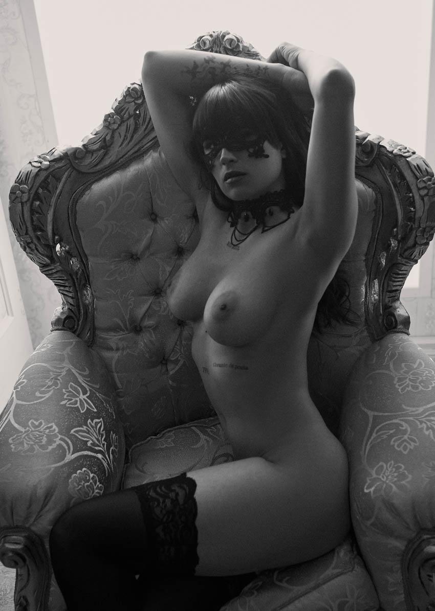 book de fotos desnudo profesional en estudio