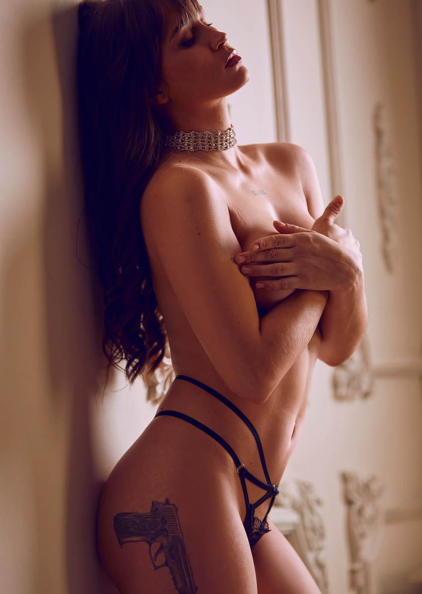 sesión de fotos desnudo sensual profesional en estudio