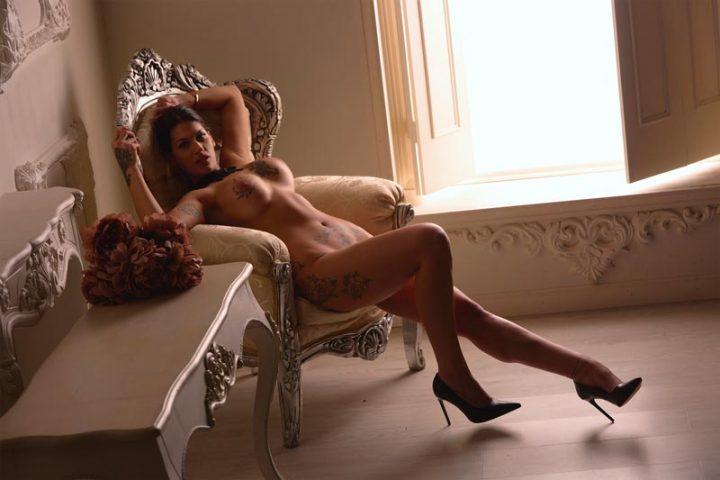 Estudio profesional de desnudo